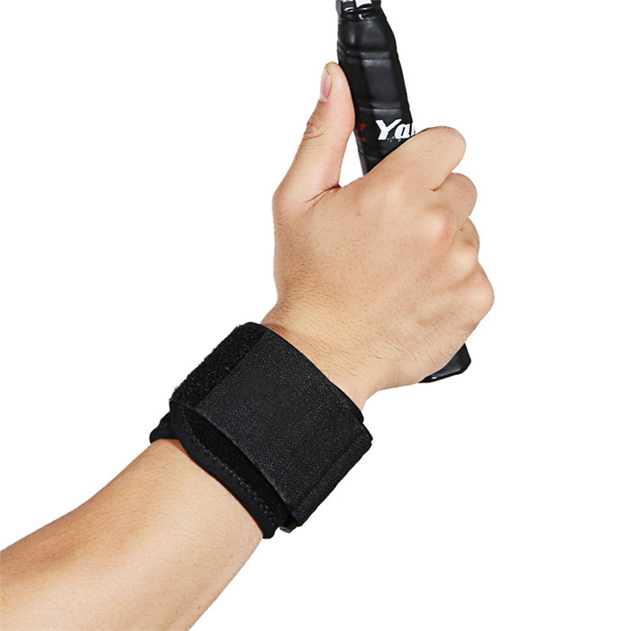Wrist Wraps Compression Strap Wrist Support Brace Wrap with Elastic Hook and Loop Straps Breathable Wrist Band